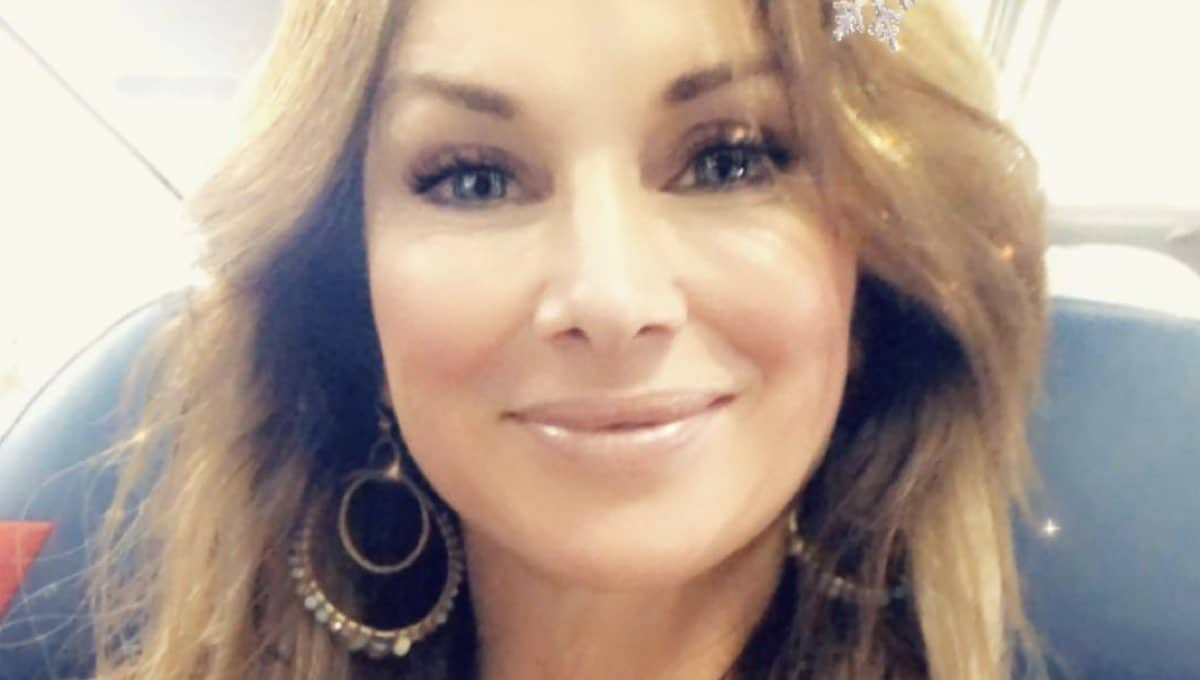 12 Adorable Facts Revealed About Debbe Dunning