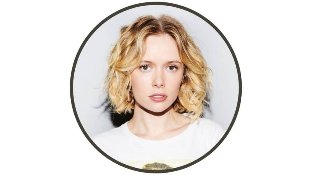 Amelia Eve Height